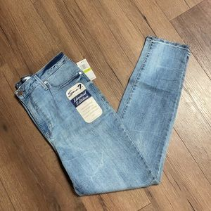 NWT Seven7 Limited Edition Ultra High Rise Skinny